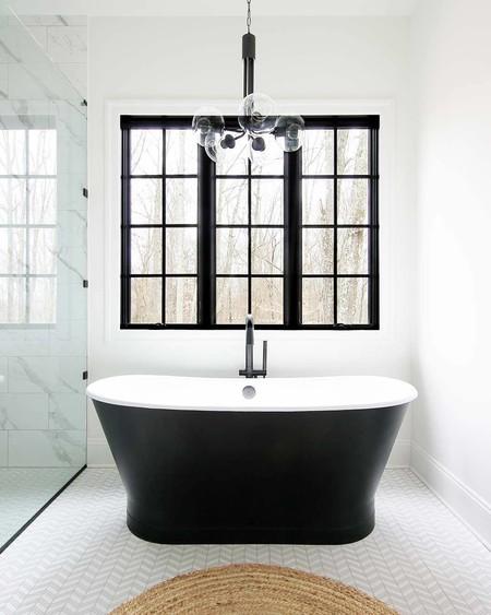 23 cuartos de baño en blanco y negro, la combinación que conseguirá que tu baño no pase de moda