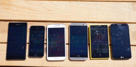 Por qué las pantallas de los móviles no están hechas para el verano