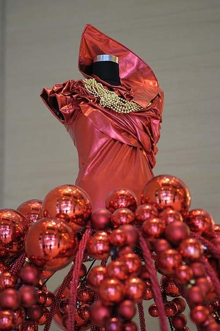 Aires flamencos en la decoración de The Address Dubai Mall