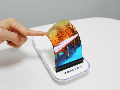 Así va la carrera por el móvil flexible en 2018, el año que de nuevo apunta a ser el de las pantallas flexibles
