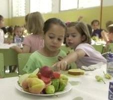 El menú escolar y el menú de casa deben complementarse