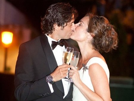 Ana Milán, te coronamos gran twittera de bodas, especialmente de la tuya