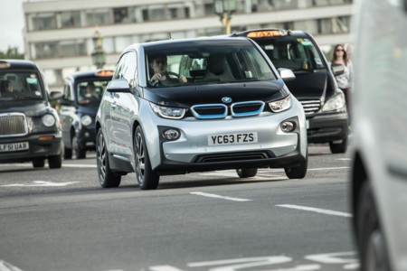 BMW i3 entre London Cab