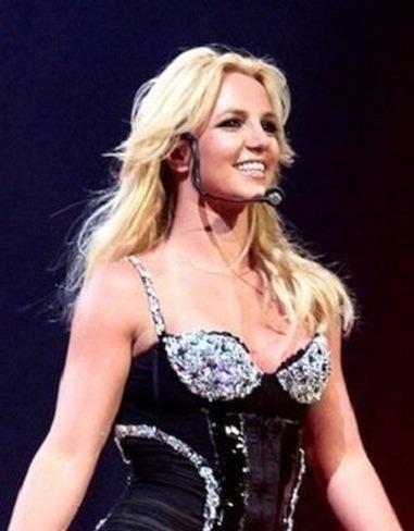 Britney Spears ¿vas a guardar el micrófono de juguete?