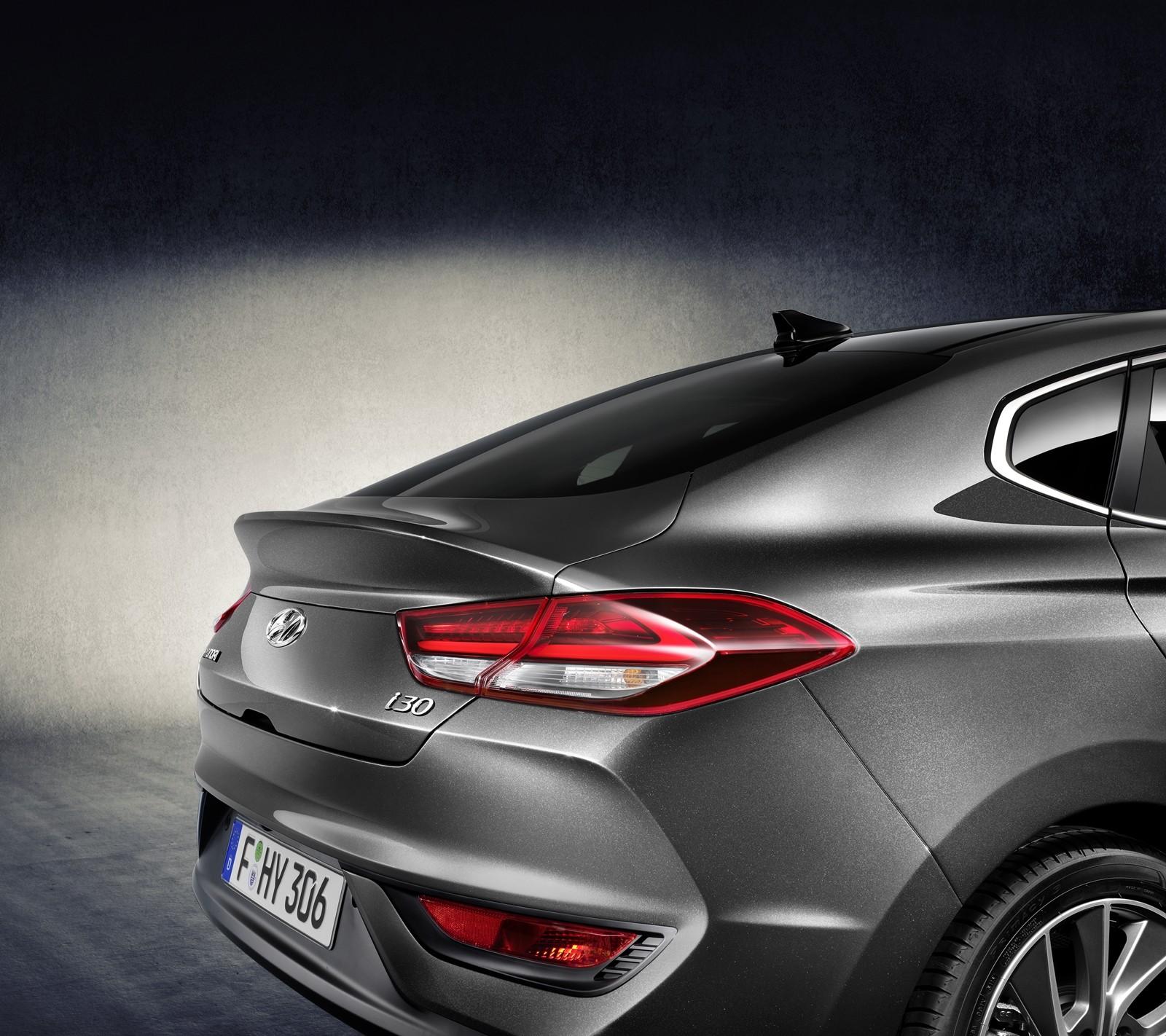 Foto de Hyundai i30 Fastback 2018 (1/8)