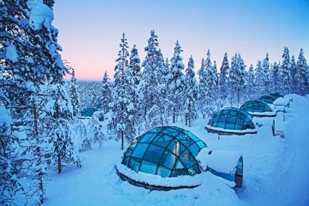 Kakslauttanen Arctic Resort 02 696x464