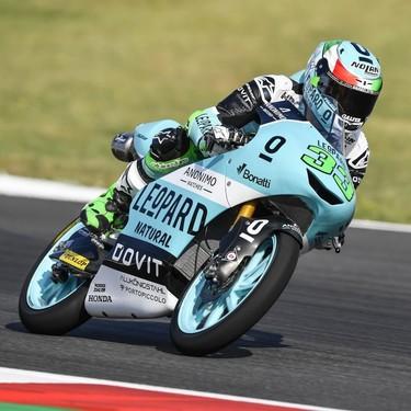 Primera victoria para Bastianini desde 2016 y Bezzecchi triunfa ante la debacle de los favoritos de Moto3