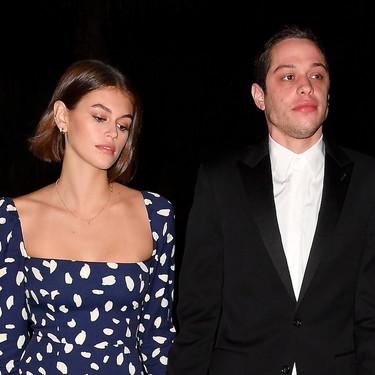 El vestido con escote cuadrado que Kaia Gerber ha llevado a una boda y del que te enamorarás porque no es tan caro como piensas