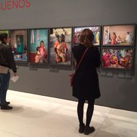 Cristina García Rodero aparca el blanco y negro en su nueva exposición Tierra de sueños