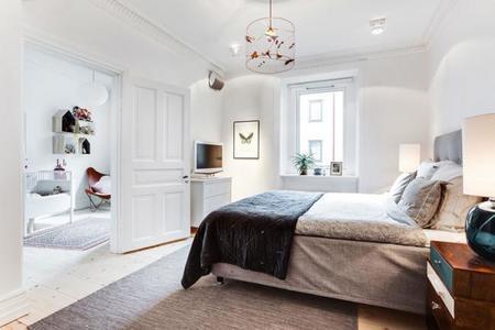 apartamento sueco lleno de piezas de diseño