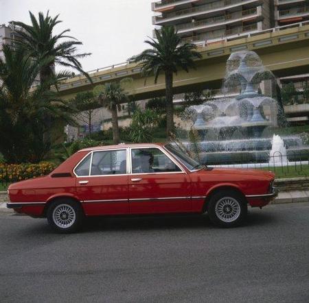 BMW-Serie5-1generacion-01