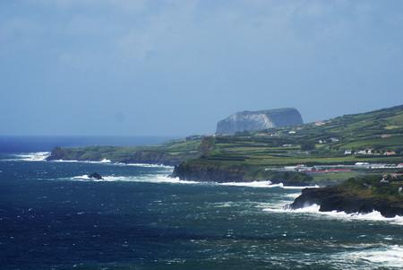 Costa Da Ilha Do Faial Com O Morro De Castelo Branco Ao Fundo Vista Do Monte Da Guia Concelho Da Horta Ilha Do Faial Acores Portugal