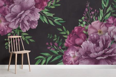 New Romantic Papel Pintado Negro Con Flores Gigantes Moradas Y Hojas Estilizadas En Acuarela Gallery Image