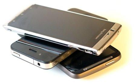 Actualización en los Sony Ericsson Xperia Arc y Play con una buena ración de Facebook