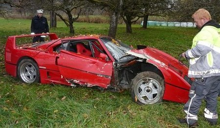 Dolorpasión™: Ferrari F40 accidentado en Alemania