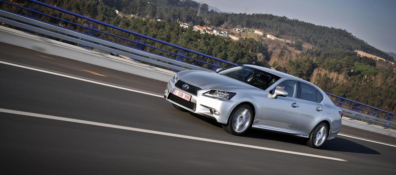 Foto de Lexus GS 450h (2012) (21/62)
