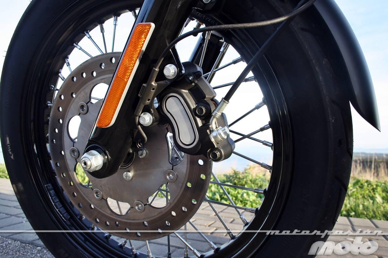 Foto de Harley Davidson DYNA Street Bob, prueba (valoración, ficha técnica y galería) (7/35)