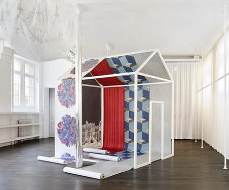 Papel pintado de Maison Martin Margiela, perfecto para fashionistas locos de la decoración