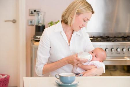 Lo que no debe decirse a una madre que da biberón