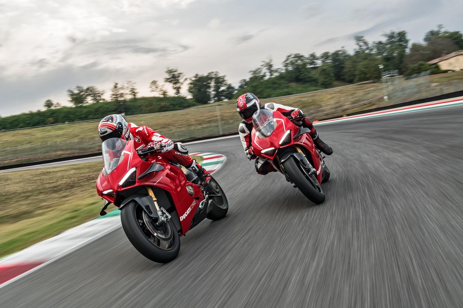 Foto de Ducati Panigale V4 R 2019 (11/87)