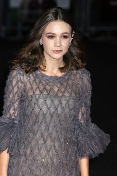 De repente, una extraña (o no tanto): un gran look de Carey Mulligan de Chanel Alta Costura
