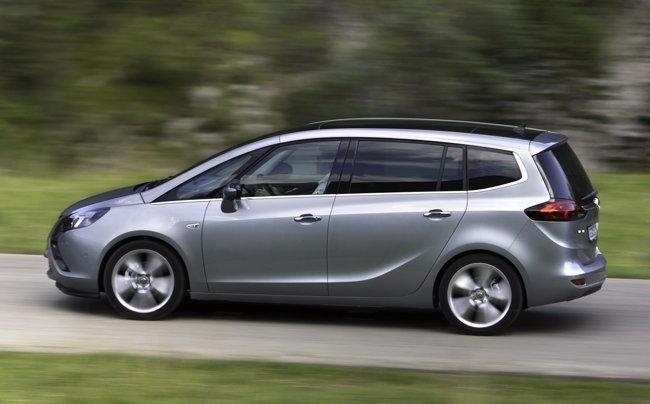 Opel-Zafira-Tourer-32