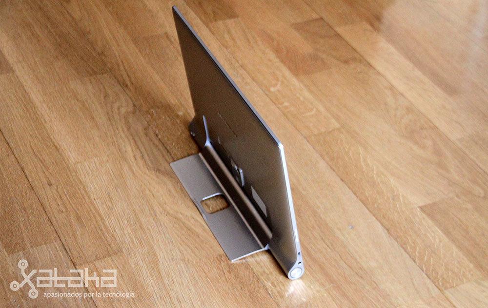 Foto de Lenovo Yoga Tablet 2 Pro (1/27)