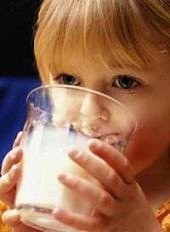No suprimir los productos lácteos para los niños con intolerancia a la lactosa