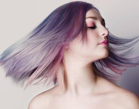 El pelo holográfico es la nueva tendencia viral totalmente aprobada por unicornios