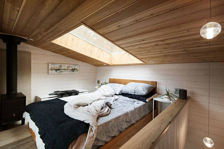 Modern Tiny House Loft Bedroom 300819 1243 04