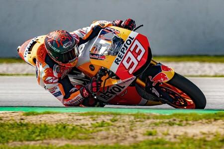 ¡Marc Márquez vuelve a la moto! Ha pilotado una Honda RC213V-S similar a su MotoGP en Montmeló
