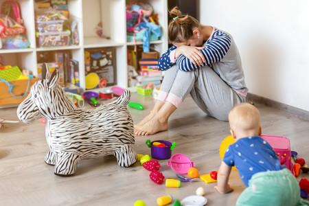 """""""Todos creen que ser madre a tiempo completo es fácil"""", la reflexión acerca de lo duro que puede ser quedarse en casa con los hijos"""
