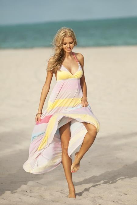 Cuando Primark aparece, nuestro bolsillo se alegra. Más colección de playa para este verano 2012
