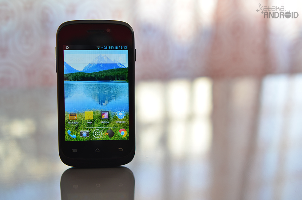 Foto de Best Buy Easyphone 3.5, diseño (1/7)