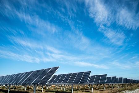 El frenazo de las renovables ya le ha costado a España 740 millones de euros (y hay 8.100 millones aún por juzgar)
