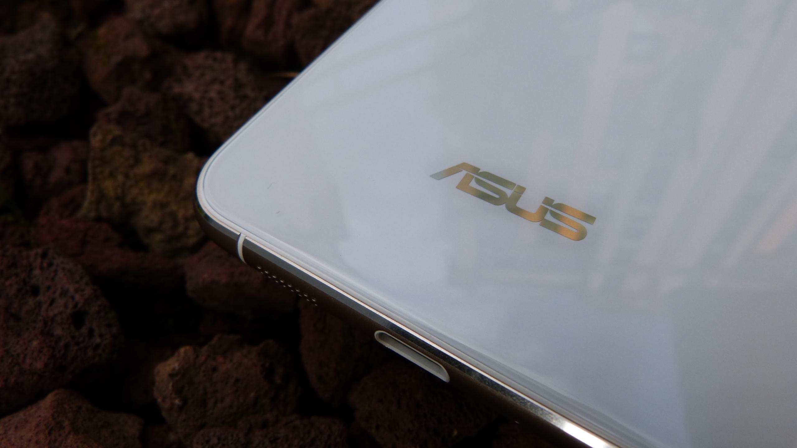 Foto de ASUS Zenfone 3 (ZE552KL), diseño (9/29)