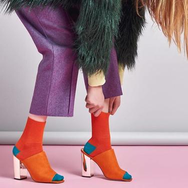 Hay días en que lo mejor es vestirse con los pies (y esta cuenta de Instagram nos lo ha demostrado)