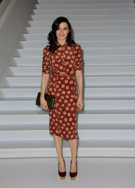 Rachel Weisz estrena la colección de verano de Bottega Veneta