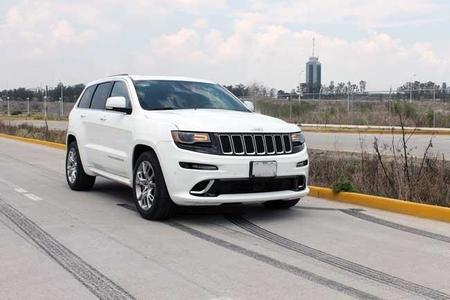 Jeep Grand Cherokee SRT8 2014: Fuerza bruta