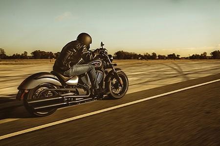 Victory Gunner, estilo throwback bobber para una moto ligera