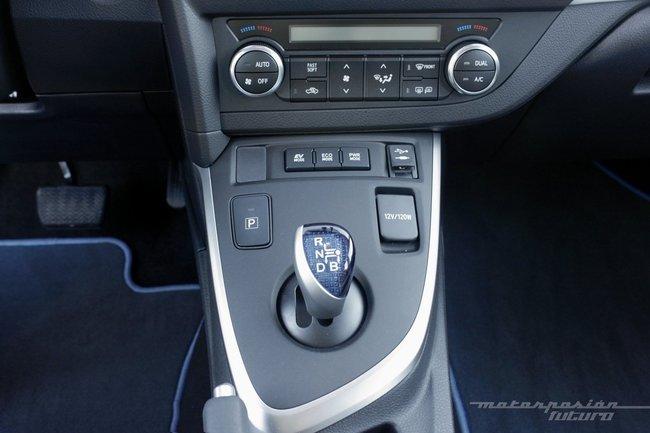 Toyota Auris Hybrid 2013, palanca de selección de marcha