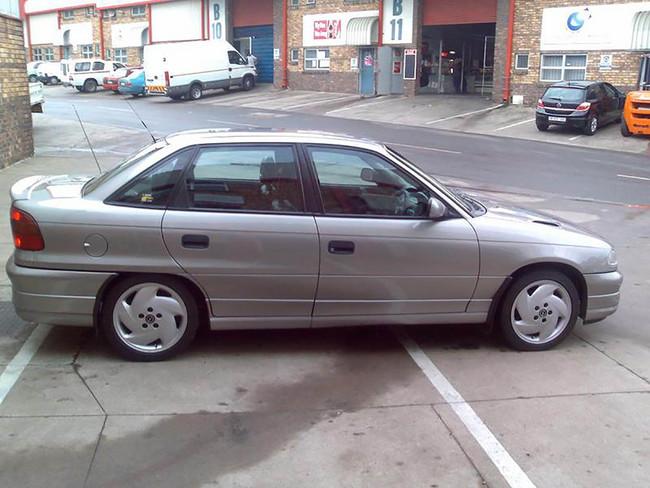 Opel Astra 200ts