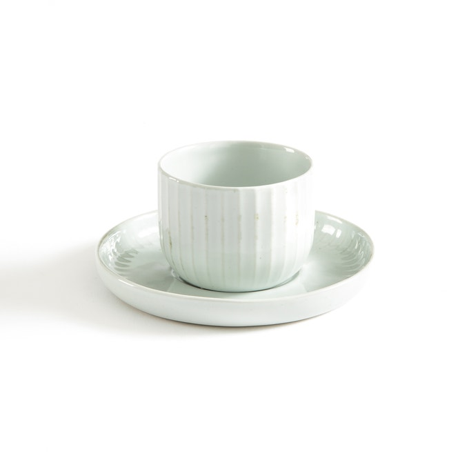 Juego de dos tazas de porcelana