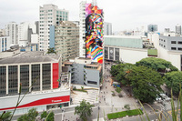 Un enorme mural tributo a Oscar Niemeyer