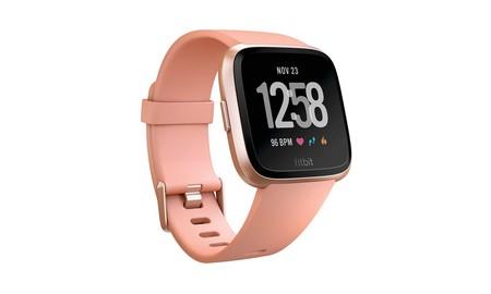 Regalar el Fitbit Versa estas navidades sólo te costará 129,95 euros si aprovechas esta oferta del día de Amazon