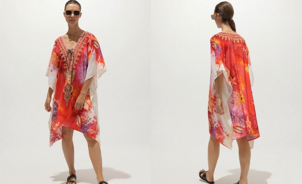 Caftán corto SunRose Fashion con print marino en tonos naranjas
