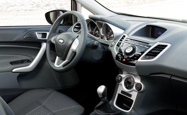 Nuevo-Ford-Fiesta-2011-interior