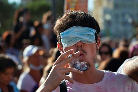 La filosofía y la psicología están de acuerdo: gritarles a los que no llevan mascarilla no funciona