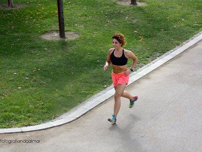Controlar la respiración en carrera: cómo puede ayudarte en el reto para correr 5 kilómetros