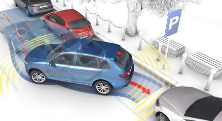 Todos los coches que tienen asistencia al aparcamiento: estos son los modelos más baratos de cada marca